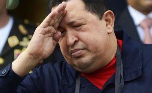 Le président vénézuélien est apparu pour la dernière fois dans les médias officiels à son départ vers Cuba le 10 décembre pour y être une nouvelle fois opéré d'un cancer dans la zone pelvienne diagnostiqué en juin 2011. La nature et la localisation exactes de ce cancer sont tenues secrètes par les autorités.
