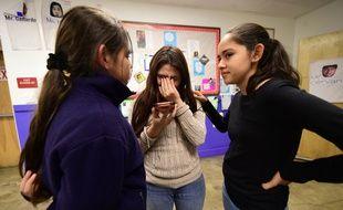 Jocelyn Avelica aux côtés de ses sœurs  Fatima et Yuleni le 3 mars 2017 en Californie.