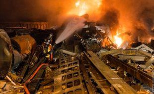 Des flammes et fumées importantes se sont dégagés de l'entreprise «Broyage midi».