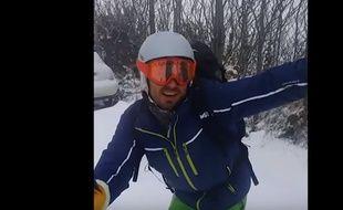 Il dévale en ski le mont Saint-Clair à Sète.