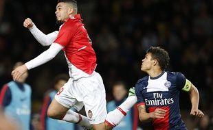 L'attaquant de Monaco Emmanuel Rivière face au défenseur duPSG Thiago Silva, le 9 février 2014, au stade Louis II.