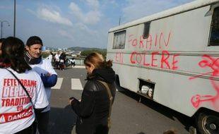 Des forains manifestent contre le déplacement de la traditionnelle fête foraine du centre-ville, le 13 octobre 2015 à Rouen