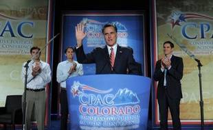 Mitt Romney repart en campagne jeudi tonifié par sa bonne performance de mercredi dans le débat contre Barack Obama, qui tentera de rassurer ses partisans après une prestation décevante.