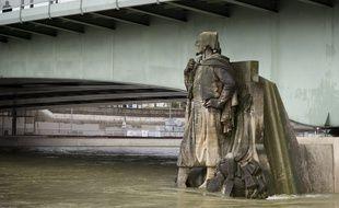La crue de la Seine à Paris. Ici, le Zouave du Pont de l'Alma (Illustration). // PHOTO : V. WARTNER / 20 MINUTES
