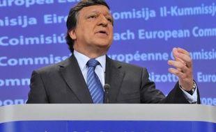 """La Commission européenne a annoncé samedi qu'elle voulait """"renforcer"""" la surveillance des finances publiques grecques et acccroître ses """"capacités"""" à Athènes, mais que l'Etat grec devait rester souverain."""