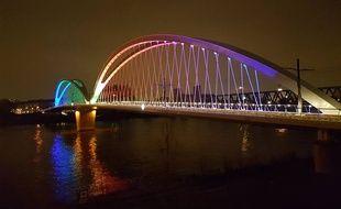 Les couleurs du nouveau pont du tram sur le Rhin peuvent changer.