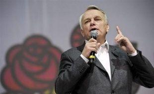 Les députés socialistes s'abstiendront sur la création du Mécanisme européen de stabilité (MES), que l'Assemblée nationale doit ratifier mardi après-midi, a indiqué leur chef de file Jean-Marc Ayrault.