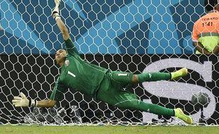 Keylor Navas, héros de la qualification du Costa Rica pour les quarts de finale de la Coupe du monde, le 29 juin 2014 au Brésil.
