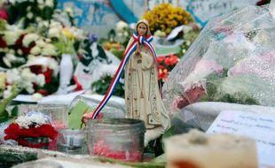 Hommages aux victimes des attaques du 13 novembre, place de la République à Paris, le 21 novembre 2015