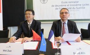 Wei Zuo, président du conseil de l'université de Nankin, et David Alis, président de Rennes 1, ont acté mardi l'ouverture d'un institut franco-chinois sur le campus de Beaulieu.