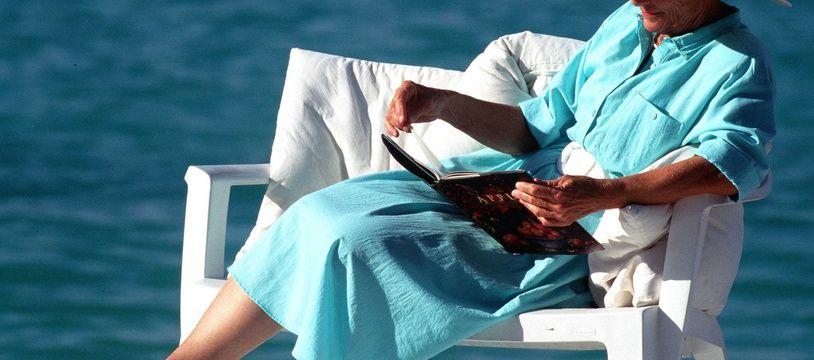 Lecture au bord de l'océan, reconstitution.