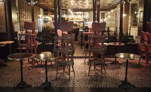 Un restaurant à Paris juste après le début du couvre-feu, le 17 octobre 2020.