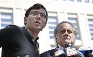 Le spéculateur Martin Shkreli et son avocat Ben Brafman, le 4 août 2017 à New York.