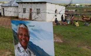 Le portrait de Mandela affiché le 13 décembre 2013 à Qunu
