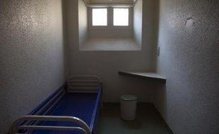 Une cellule individuelle dans une prison