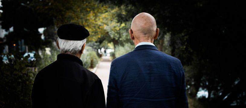 Azdyne Amimour (qui ne souhaite pas montrer son visage) et Georges Salines