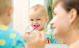 Pour vous aider à faire votre choix, découvrez notre sélection des meilleures brosses à dents pour bébé.