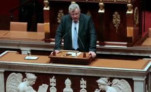 Le secrétaire d'Etat français au Budget Christian Eckert s'adresse à l'Assemblée nationale lors de l'examen du projet de loi de financement de la Sécurité sociale pour 2016, le 20 octobre 2015 à Paris
