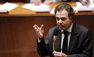 Une campagne de sensibilisation et de lutte contre le harcèlement à l'école sera lancée en janvier, avec notamment des spots télévisés et sur internet, a annoncé mercredi le ministre de l'Education nationale, Luc Chatel, lors de ses voeux 2012 à la presse.
