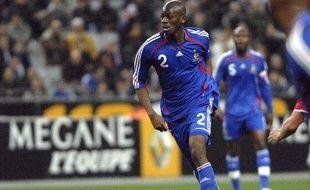 Le milieu de terrain de l'équipe de France, Abou Diaby, lors d'un match contre l'Autriche le 28 mars 2007 au Stade de France.