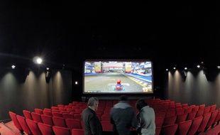 Test de «Mario Kart» dans une salle du cinéma Vox, à Strasbourg.