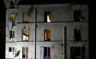 Photo du bâtiment à Saint-Denis, dans la banlieue de Paris où les policiers du Raid et de la BRI ont mené l'assaut le 18 novembre 2015
