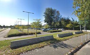 Le parking où le corps a été retrouvé, sur le campus universitaire de Villeneuve d'Ascq.