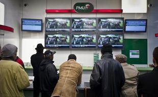 Loto, casinos, chevaux, paris sportifs, poker en ligne: malgré ou en raison de la crise, les Français ont misé chaque jour en 2011 la somme record de 86,5 millions d'euros, l'équivalent du prix d'un Airbus A321neo ou de deux lycées neufs en Ile-de-France, selon une enquête de l'AFP.