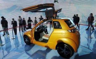 Le gouvernement chinois a annoncé jeudi sa décision de promouvoir la voiture électrique pour répondre aux problèmes de pollution et d'énergie sur le premier marché automobile de la planète.