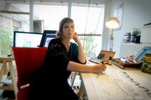 Stéphanie Hans travaille depuis près de douze ans comme cover artist et illustratrice.