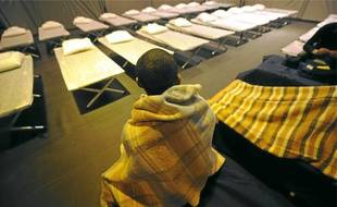 Le gymnase Emile-Morice à Nantes a ouvert ses portes aux sans-abri.