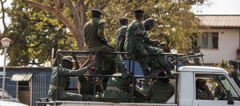 Des policiers zambiens, le 13 octobre 2016 à Lusaka.