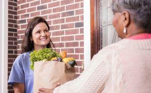 Vous ne savez pas comment vous comporter avec votre employé à domicile ? L'application « Cadre de vies » vous conseille.