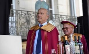Alain Juppé, au festival du vin à Sauveterre, le 6 juillet 2015.