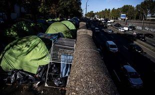Des tentes de migrants près de la porte d'Aubervilliers, à Paris, le 18 octobre 2019.