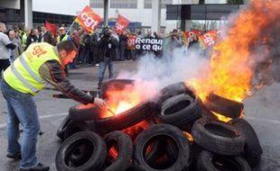 Grève à l'usine de Renault à Sandouville, le jour de la visite de Nicolas Sarkozy, le 6 octobre 2008