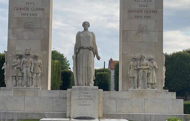 Gallois de Fougières repose désormais sous le monument national de la gendarmerie à Versailles