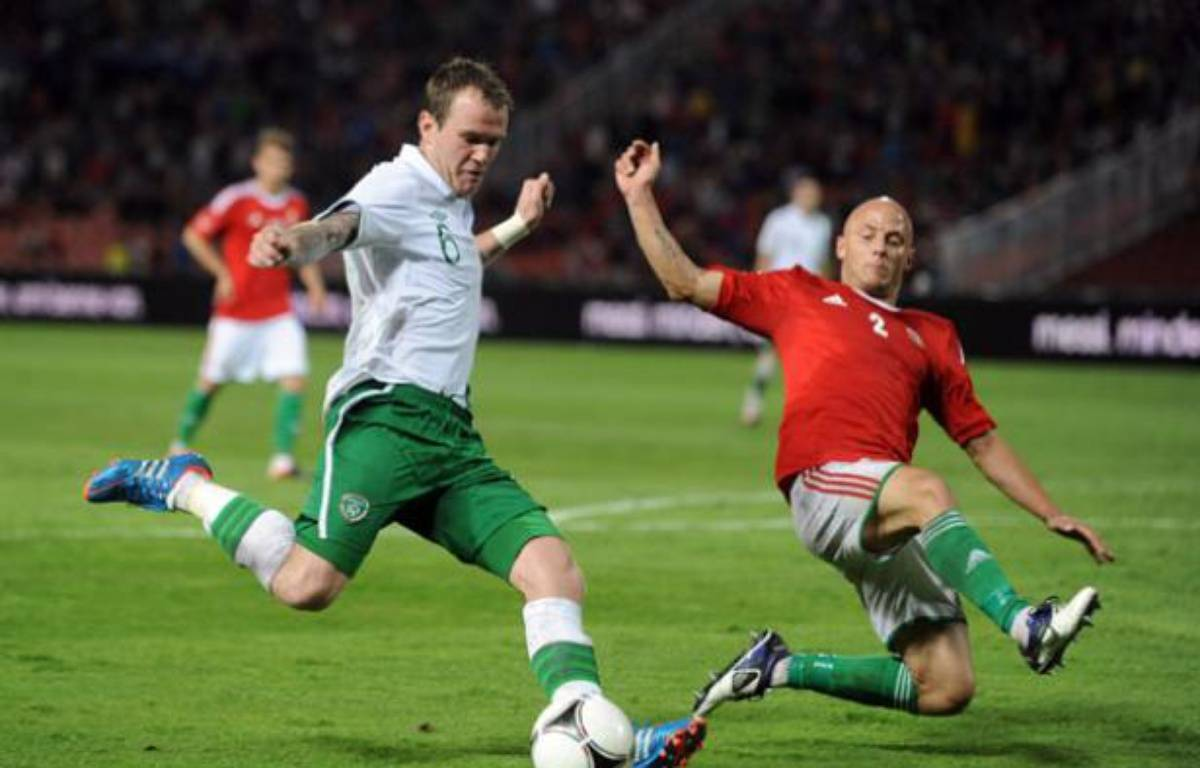 L'équipe d'Irlande face à l'équipe hongroise en match de préparation à l'Euro le 4 juin 2012. – ATTILA KISBENEDEK / AFP