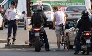 A Paris, la cohabitation entre piétons, cyclistes, motards ou automobilistes n'est pas toujours simple