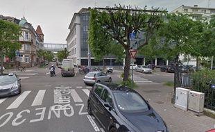 Croisement rue Geiler et avenue de la Robertsau à Strasbourg.