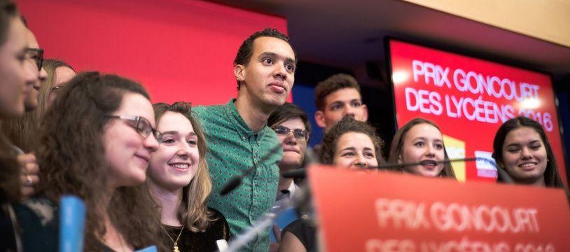 L'auteur de Petit Pays Gaël Faye, ici en 2016 lors de la remise du prix Goncourt des lycéens.