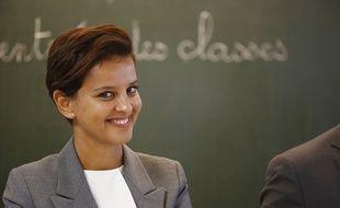 La ministre de l'Education Najat Vallaud-Belkacem lors de la rentrée des classes mardi 1er septembre à Pouilly-sur-Serre dans le nord de la France.