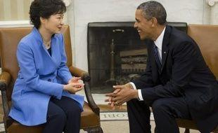 """La présidente sud-coréenne Park Geun-Hye, actuellement en visite aux Etats-Unis, a déclaré mercredi qu'elle proposerait la création d'un """"parc international"""" dans la zone démilitarisée à la frontière avec la Corée du Nord, lors d'un discours devant le Congrès américain."""