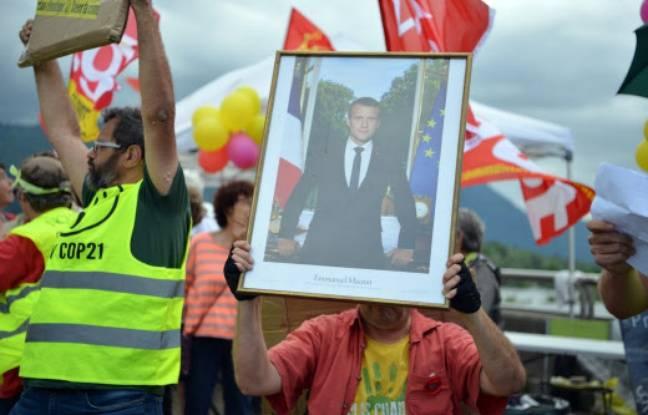 Le portrait d'Emmanuel Macron avait eu lieu en février dernier à la mairie du 2e arrondissement de Lyon.