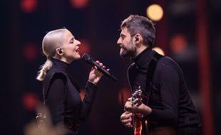 Le duo Madame Monsieur, Emilie Satt et Jean-Karl Lucas, lors d'une répétition sur la scène de l'Eurovision, en mai 2018.