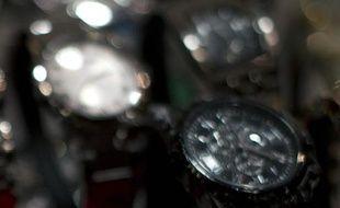 Un responsable chinois épinglé par les internautes pour ses montres de luxe, ce qui avait déclenché une enquête des autorités, a été condamné jeudi à 14 ans de réclusion pour corruption.