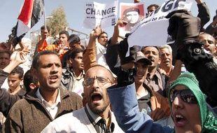 Manifestation près du palais présidentiel à Sanaa, au Yemen, le 13 février 2011.