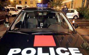 Une voiture de la brigade anticriminalité (Bac).