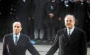 Mitterrand et Kohl, en 1984.