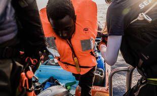 L'Ocean Viking, le navire de secours en mer de SOS Méditerranée, a recueilli samedi 196 migrants au large de la Libye.